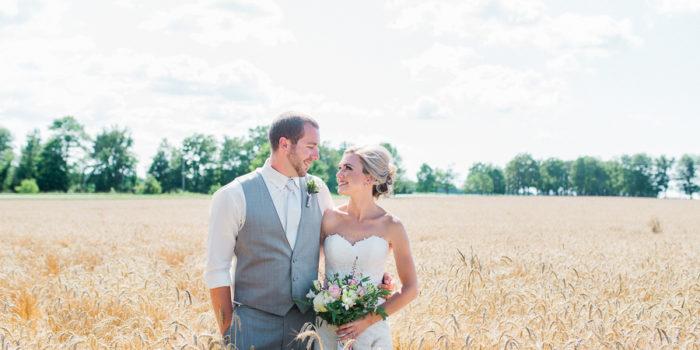 lacey & jordan, intimate backyard wedding